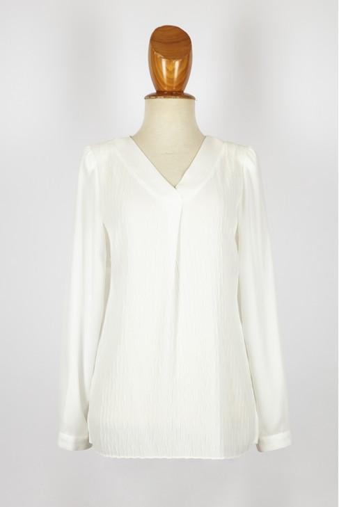 casaca pliegue/pico -con plisado